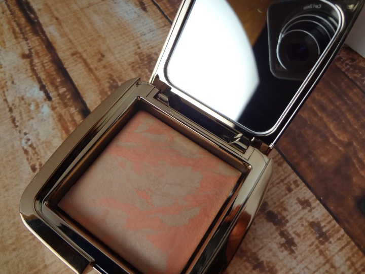 Hourglass-Ambient-Lighting-Blush-Dim-Infusion-Pan